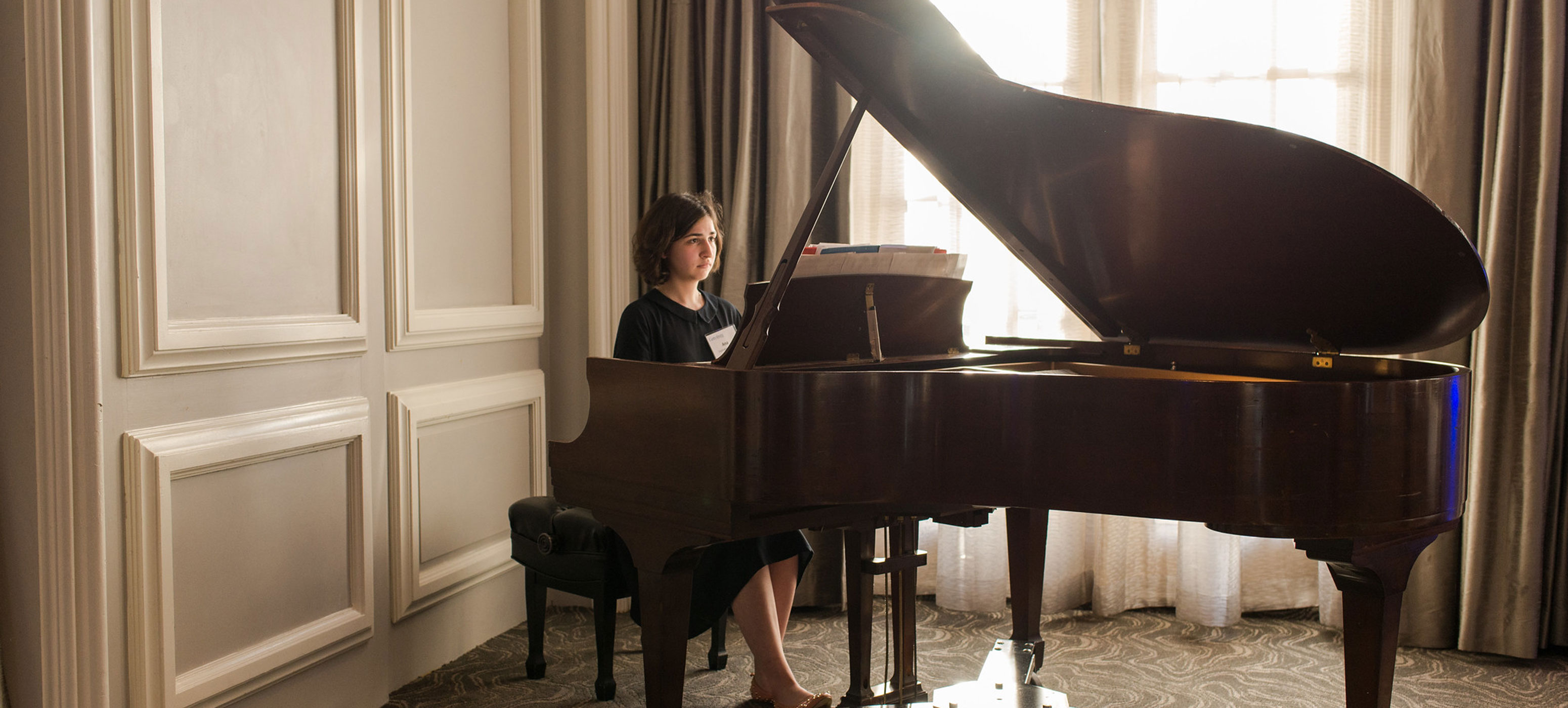 Ana Vashakmadze playing the piano