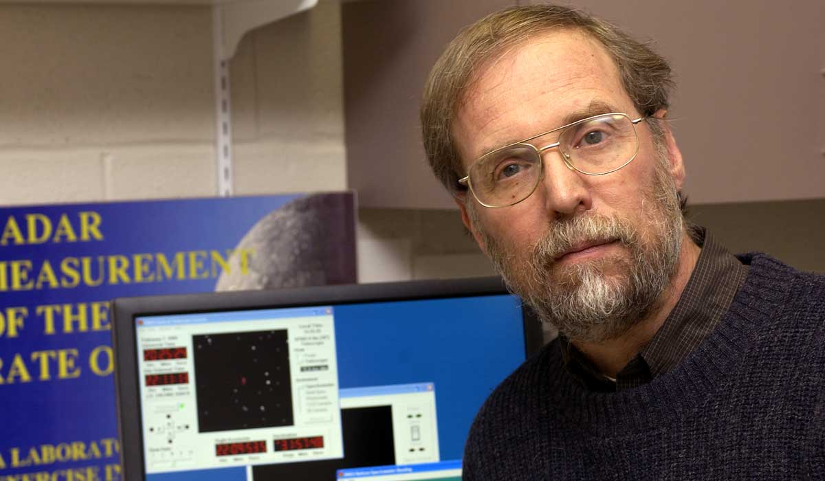 Laurence Marschall named Legacy AAS Fellow for excellence in astronomy