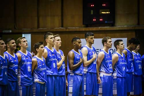 Chris Jack and Luxembourgish basketball team
